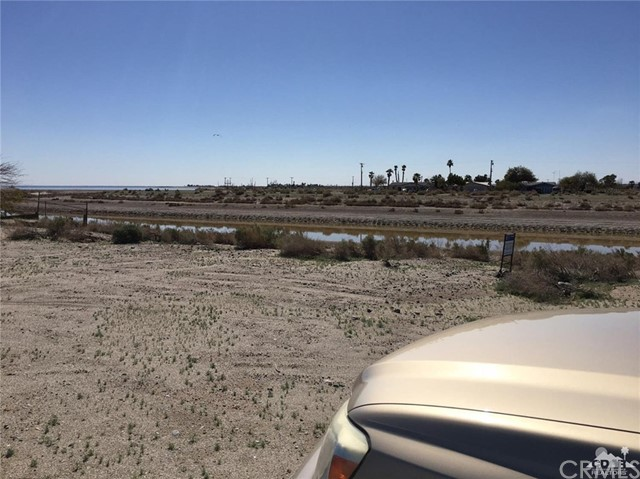 951 (lot 33) Seaport (waterfront), Salton City CA: http://media.crmls.org/medias/43adb33b-dcc1-43a8-852b-ec4e583bb16a.jpg