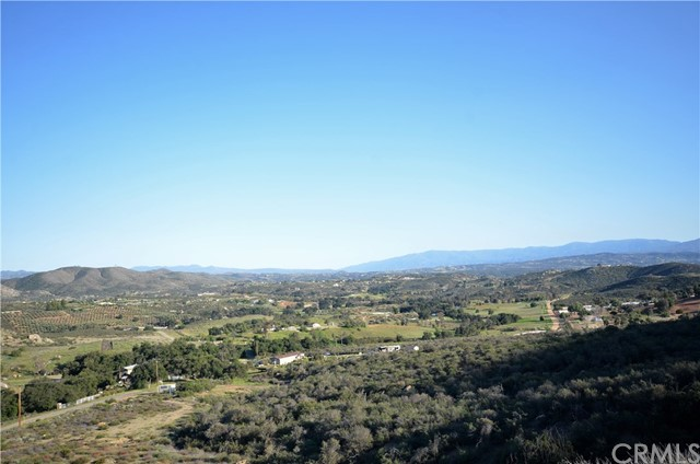 34634 Black Mountain, Temecula CA: http://media.crmls.org/medias/43ae2554-d588-404a-84d7-0132be9e7893.jpg