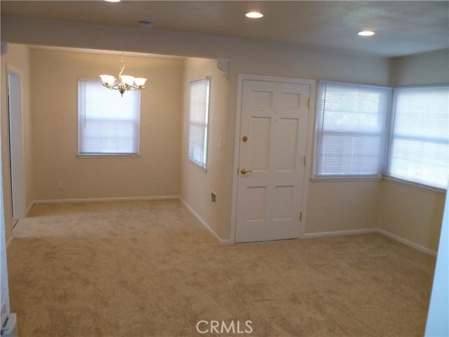 8366 La Villa St., Downey CA: http://media.crmls.org/medias/43b917bd-e2e1-45ee-8001-683b6f6041de.jpg