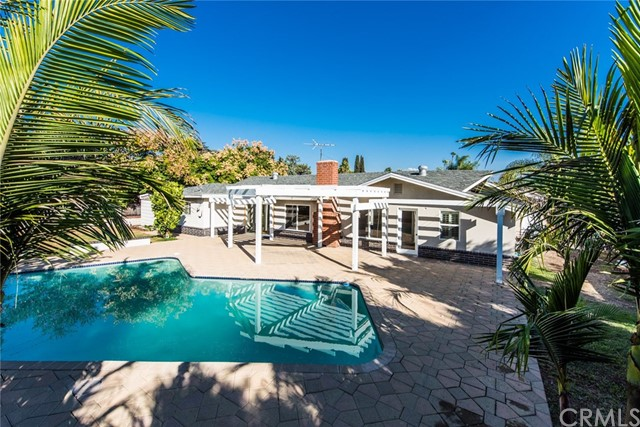 Single Family Home for Sale at 14231 Lambeth Way Tustin, California 92780 United States