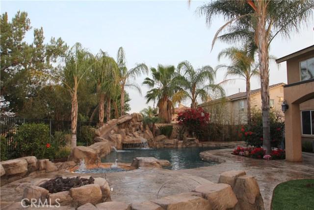 1481 Sunshine Circle, Corona CA: http://media.crmls.org/medias/43cf3041-7e67-46b4-93c1-b6624f900e65.jpg