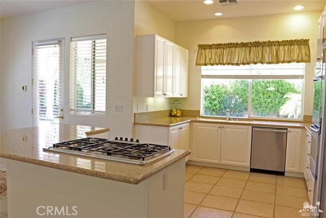 5 Varsity Circle, Rancho Mirage CA: http://media.crmls.org/medias/43dba518-70a1-45c5-b26c-4e2b967d7249.jpg