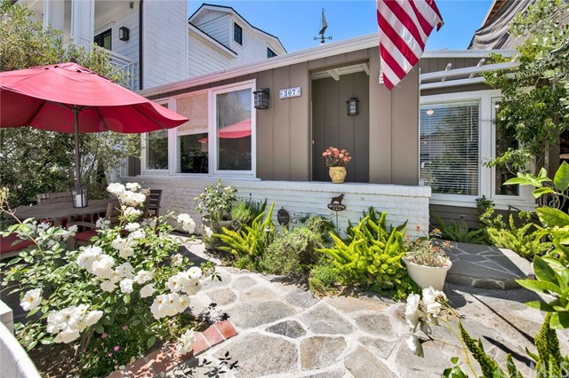 307 Montero Street, Newport Beach, California 92661, 3 Bedrooms Bedrooms, ,1 BathroomBathrooms,Residential Purchase,For Sale,Montero,PW21099889