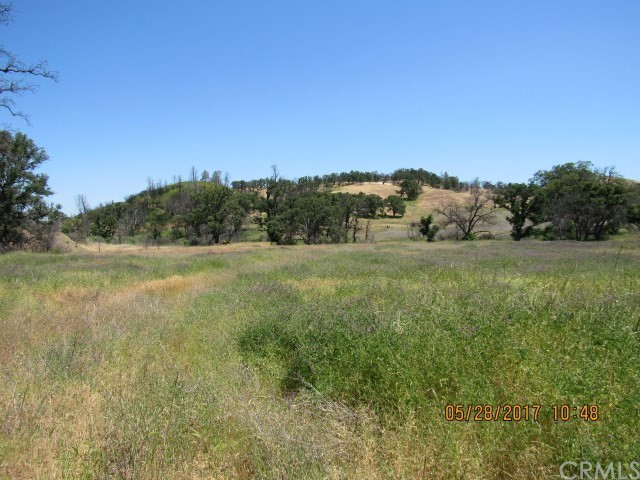 9809 Rocky Creek Road, Lower Lake CA: http://media.crmls.org/medias/43fd8592-2001-4c83-8032-c338fdc32d89.jpg