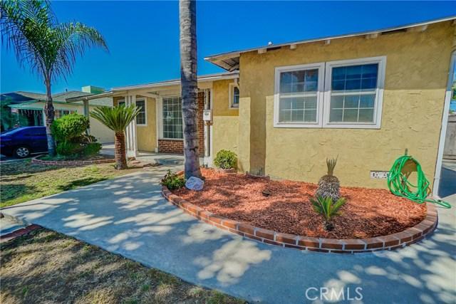 10433 Bryson Avenue, South Gate CA: http://media.crmls.org/medias/43ffc088-fb11-4e99-9531-e2597940f0ac.jpg
