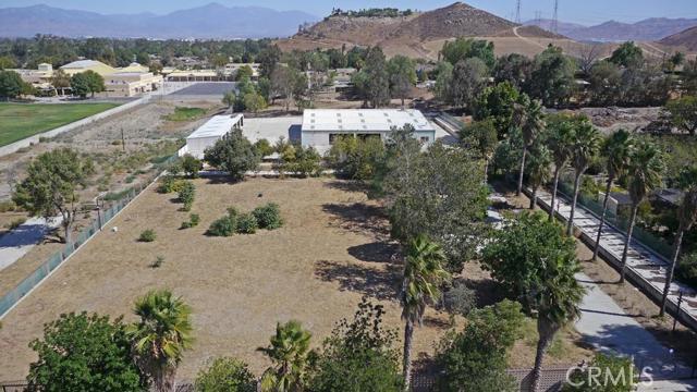 Single Family Home for Sale at 11211 Tamarind Avenue Bloomington, California 92316 United States