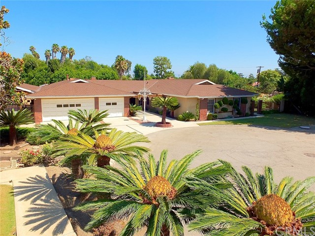 Photo of 321 W Hermosa Drive, Fullerton, CA 92835