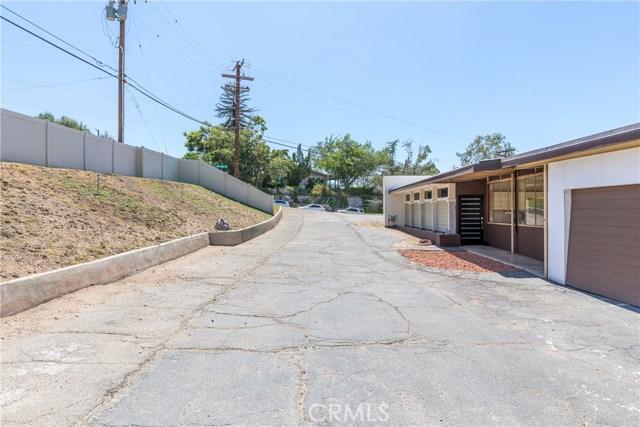 5566 N Mountain View Avenue, San Bernardino CA: http://media.crmls.org/medias/4411b151-6af5-4f83-8bf5-27682d0d1666.jpg