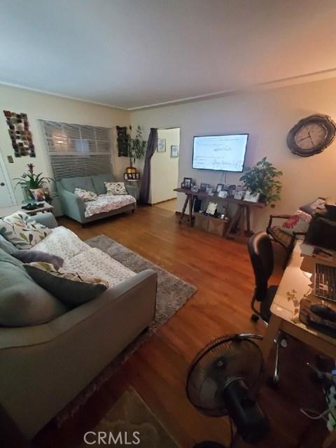 2413 W Via Corona, Montebello CA: http://media.crmls.org/medias/441cd03b-3b40-4c85-9ac2-889b05b85eab.jpg