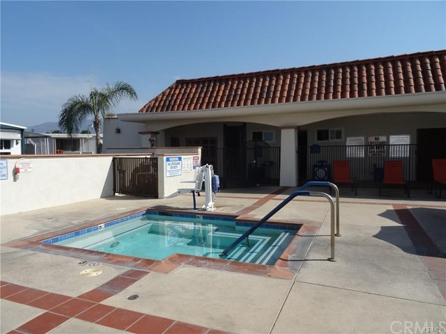 4800 Daleview Avenue, El Monte CA: http://media.crmls.org/medias/442b14b5-c9ac-462f-80af-56c49ee160f8.jpg