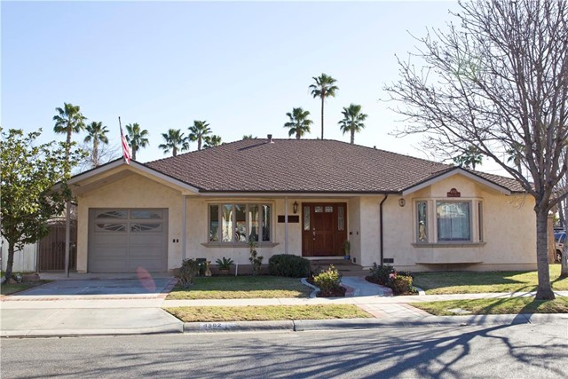 Single Family Home for Sale at 4502 Howard St Los Alamitos, California 90720 United States