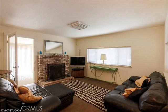 5779 Crawford Street, Clearlake CA: http://media.crmls.org/medias/4463fa75-aea5-47f3-811b-a6ad9d3aa82f.jpg