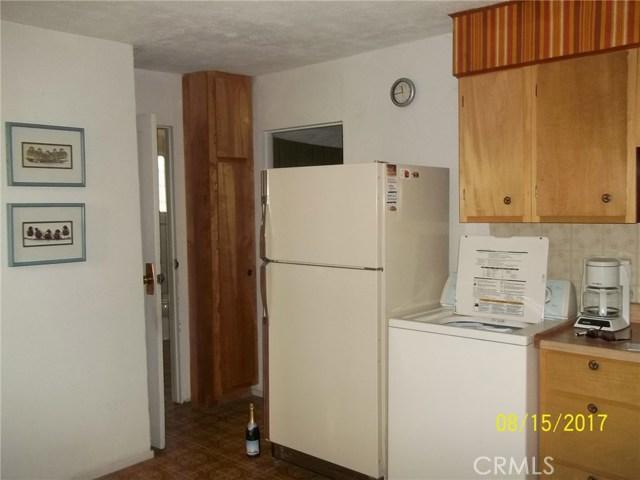14208 Uhl Avenue, Clearlake CA: http://media.crmls.org/medias/44667456-02aa-4104-bf9b-862baaad5d33.jpg
