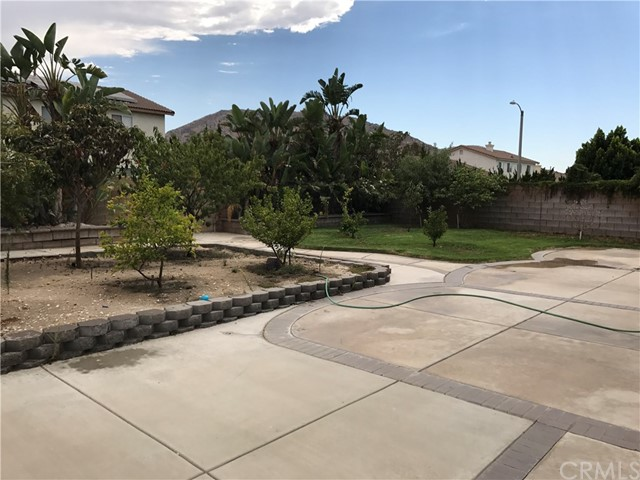 17351 Birchtree Street Fontana, CA 92337 - MLS #: AR17211192