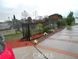 318 Caldwell Street, Compton CA: http://media.crmls.org/medias/446da3a6-c64e-421c-aa12-1f75221a239c.jpg