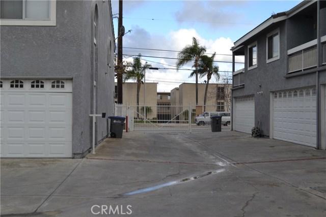 21817 Figueroa Street, Carson CA: http://media.crmls.org/medias/446da96a-df95-420a-ab79-820bafaa56d6.jpg