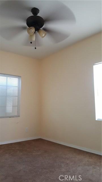 12813 S Harris Avenue, Compton CA: http://media.crmls.org/medias/44729453-2bf5-4a75-88ae-5ff0e631e1c0.jpg