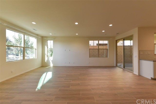 102 Parkwood, Irvine, CA 92620 Photo 10