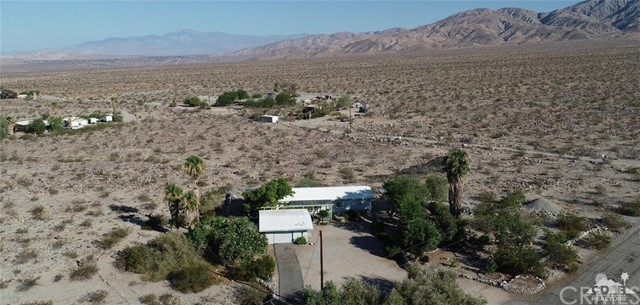 26201 Hopper Road, Desert Hot Springs CA: http://media.crmls.org/medias/4475de5d-d849-4813-93e9-b358f4282d0a.jpg