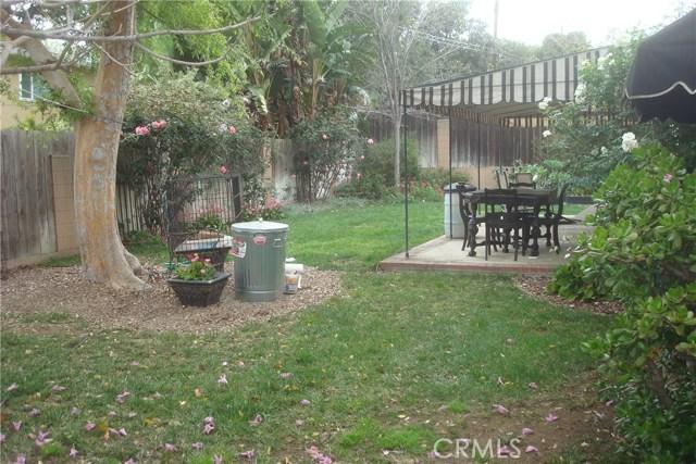 2455 Cambridge Avenue, Fullerton CA: http://media.crmls.org/medias/44993246-df29-4378-825a-e2e5d708241d.jpg