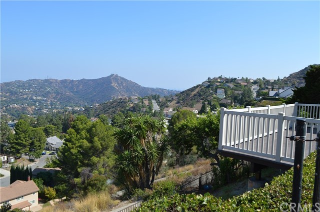 2537 Flintridge Drive Glendale, CA 91206 - MLS #: BB17180036