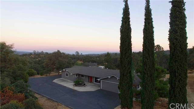 独户住宅 为 销售 在 39858 View Knolls Road Coarsegold, 加利福尼亚州 93614 美国
