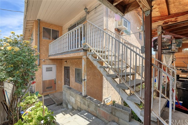 5682 ALDAMA Street, Highland Park CA: http://media.crmls.org/medias/44e563a3-be52-456c-8ecc-2687a8fadf9c.jpg