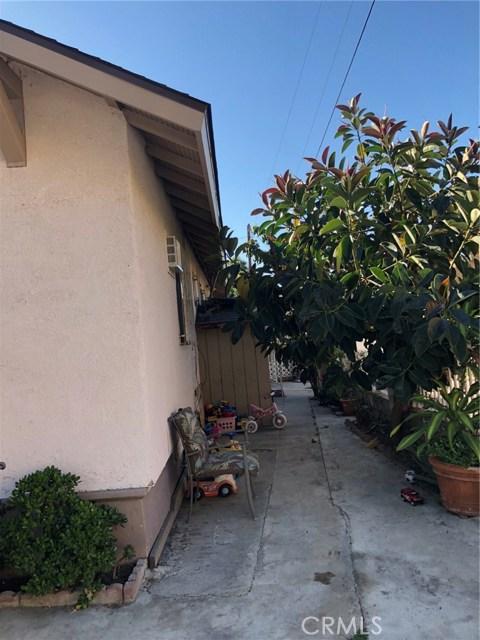 114 E 60th Street, Los Angeles CA: http://media.crmls.org/medias/44e84edd-aad5-4385-9e1d-a2bb825411e1.jpg