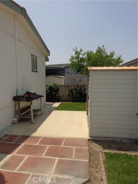 1251 E Lugonia Avenue, Redlands CA: http://media.crmls.org/medias/450fd2e6-c1de-4e01-a0d5-b55ce7f19624.jpg