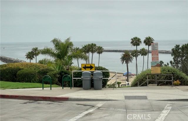 2828 Ocean Boulevard, Corona del Mar CA: http://media.crmls.org/medias/451b417b-cade-4bd6-8e88-1c96ae54d469.jpg