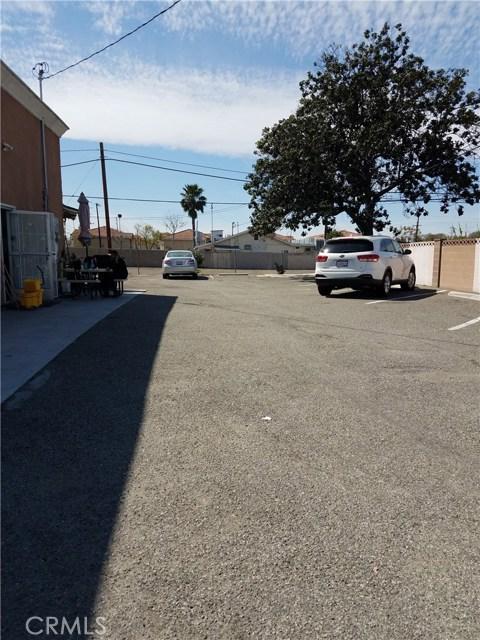 独户住宅 为 销售 在 1545 W Katella Avenue 1545 W Katella Avenue Anaheim, 加利福尼亚州 92802 美国