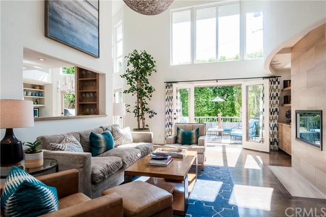 Maison unifamiliale pour l Vente à Beautiful Coastal Modern Home 1820 John Street Manhattan Beach, Californie,90266 États-Unis