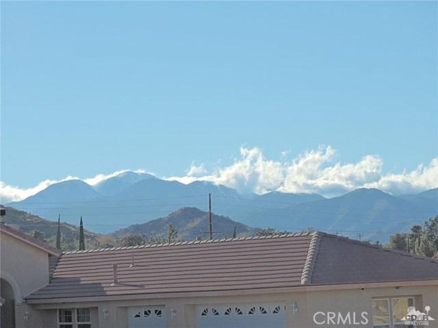 57130 Selecta Avenue, Yucca Valley CA: http://media.crmls.org/medias/452d96ce-b339-448e-a663-b5855f65d0c2.jpg