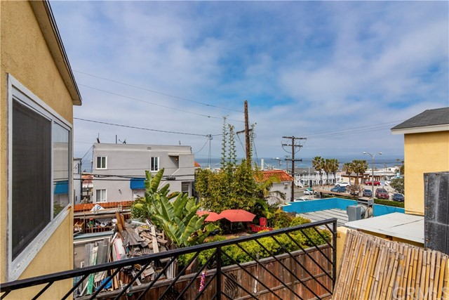 320 Rosecrans Ave, Manhattan Beach, CA 90266 thumbnail 10