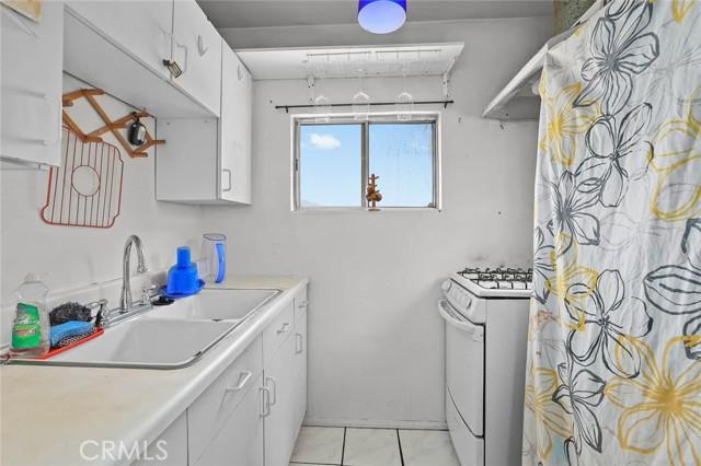 5682 ALDAMA Street, Highland Park CA: http://media.crmls.org/medias/455eb434-a927-4155-95f1-3470fc274cf1.jpg