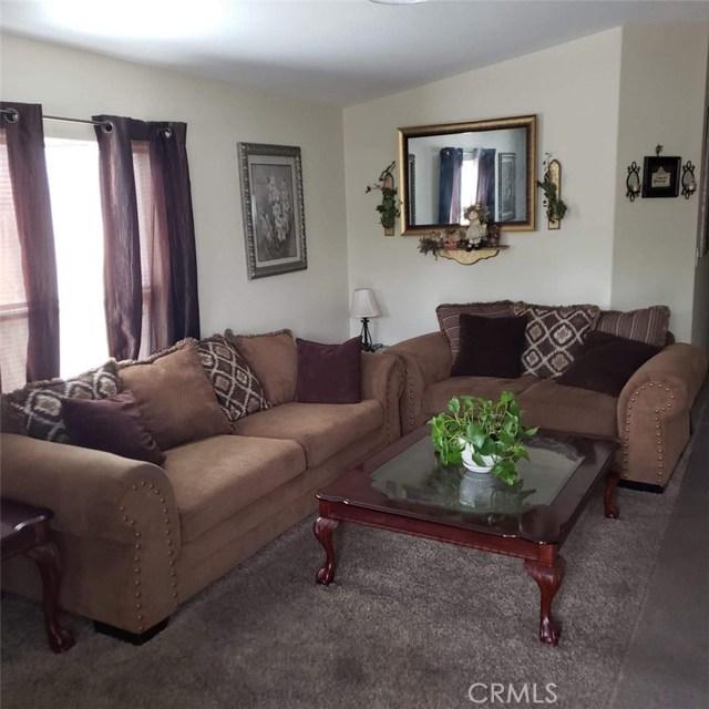 8221 Ilex Street Unit 33 Fontana, CA 92335 - MLS #: CV18261249