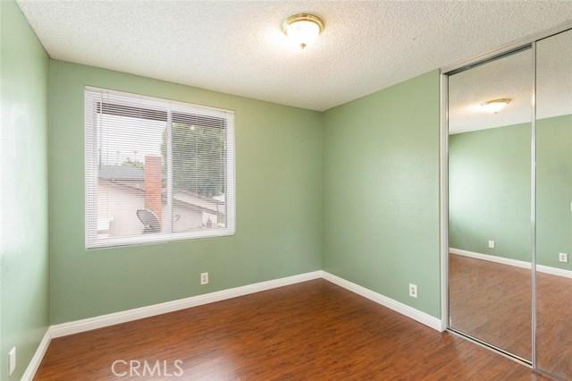 1361 Rosehill Drive, Riverside CA: http://media.crmls.org/medias/456fe453-1026-4c76-a58e-a8970099e2fc.jpg