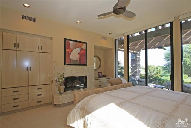428 Morning Dove, Palm Desert CA: http://media.crmls.org/medias/45767e4d-c46a-4cb7-a5b6-b304083df85b.jpg