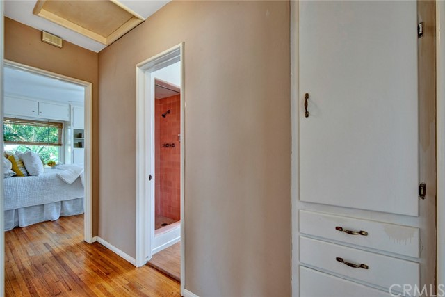 1606 N Rosewood Avenue, Santa Ana CA: http://media.crmls.org/medias/459e6c63-7366-4b45-8c46-9b0026aced40.jpg