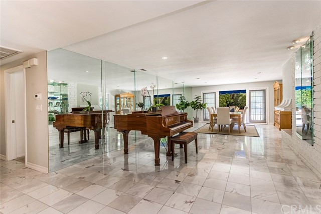 45a52cff-95f4-46bd-864b-98550f21c1a1 9843 Brentwood Drive, North Tustin, CA 92705 <span style='background-color:transparent;padding:0px;'><small><i> </i></small></span>