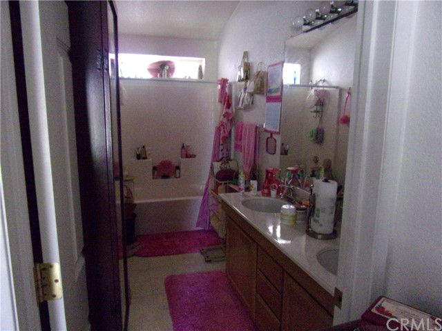801 W Country Club Boulevard, Big Bear CA: http://media.crmls.org/medias/45af2359-1892-45c6-a091-f51b3ff95291.jpg