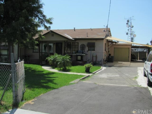 1368 N Maple Avenue, Rialto CA: http://media.crmls.org/medias/45b0858a-f47f-4309-9303-7f8f5a82b622.jpg