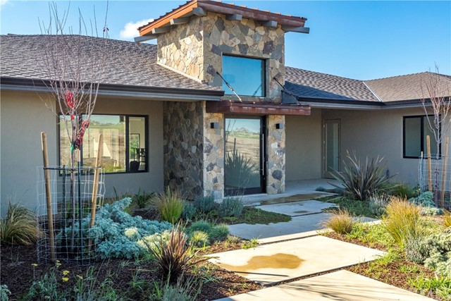 Property for sale at 2125 Warm Springs Lane, Templeton,  California 93465