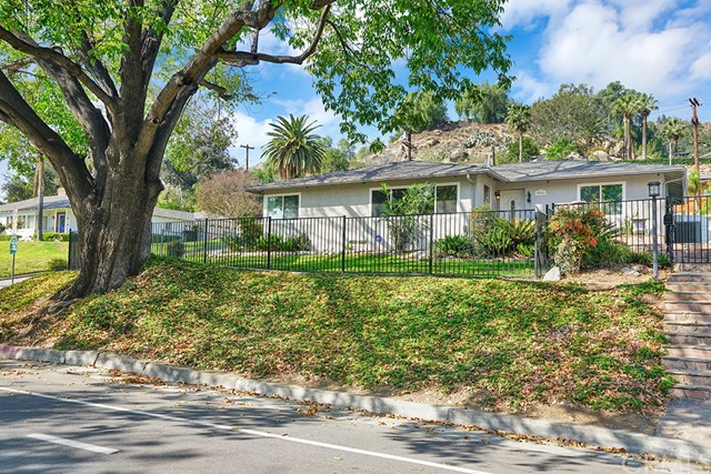 3991 Redwood Drive,Riverside,CA 92501, USA