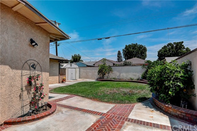 7737 Arnett Street, Downey CA: http://media.crmls.org/medias/45c3dadc-513d-41a5-a5e3-70cd271b8514.jpg