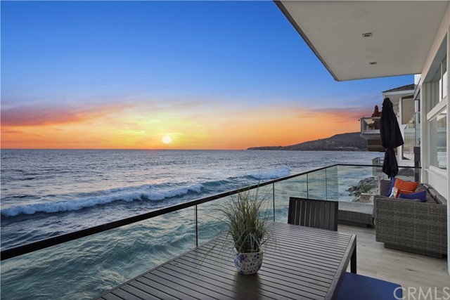 1241 Ocean Front, Laguna Beach CA: http://media.crmls.org/medias/45cdc2be-0241-46d4-9a46-55204b16a38a.jpg