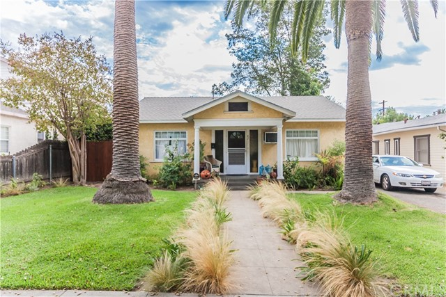 82 N Parkwood Avenue , CA 91107 is listed for sale as MLS Listing CV17213187