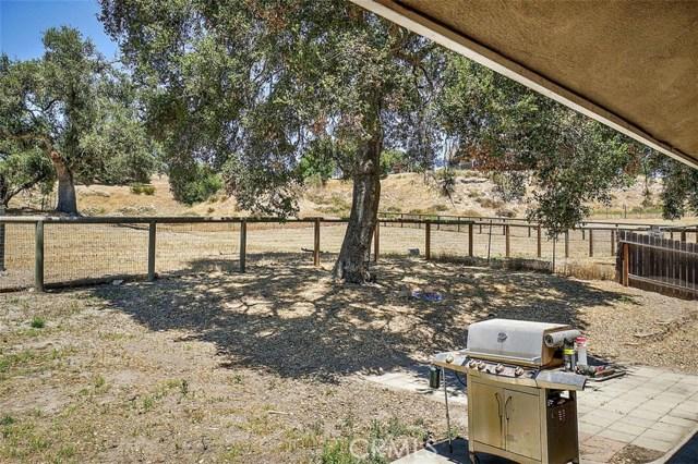 2155 Saucelito Creek Road, Arroyo Grande CA: http://media.crmls.org/medias/45dc2943-8b2f-4263-a599-1712cb64a201.jpg