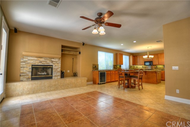 41707 Grand View Drive, Murrieta CA: http://media.crmls.org/medias/45e368b0-5c67-4b5a-91d4-4b368add91f2.jpg