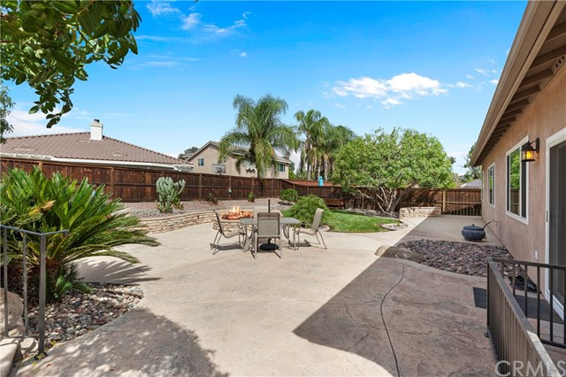 33571 Honeysuckle Lane, Murrieta CA: http://media.crmls.org/medias/45ec60ec-5c79-462b-87f6-92df5345f0d0.jpg